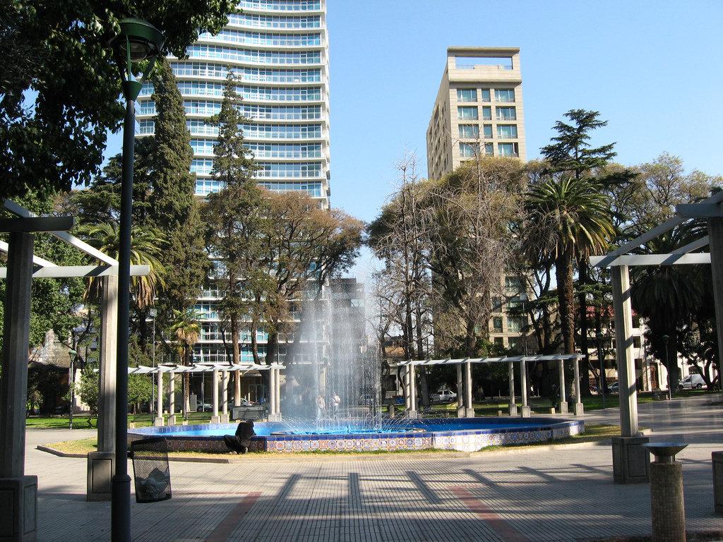 plaza-italia